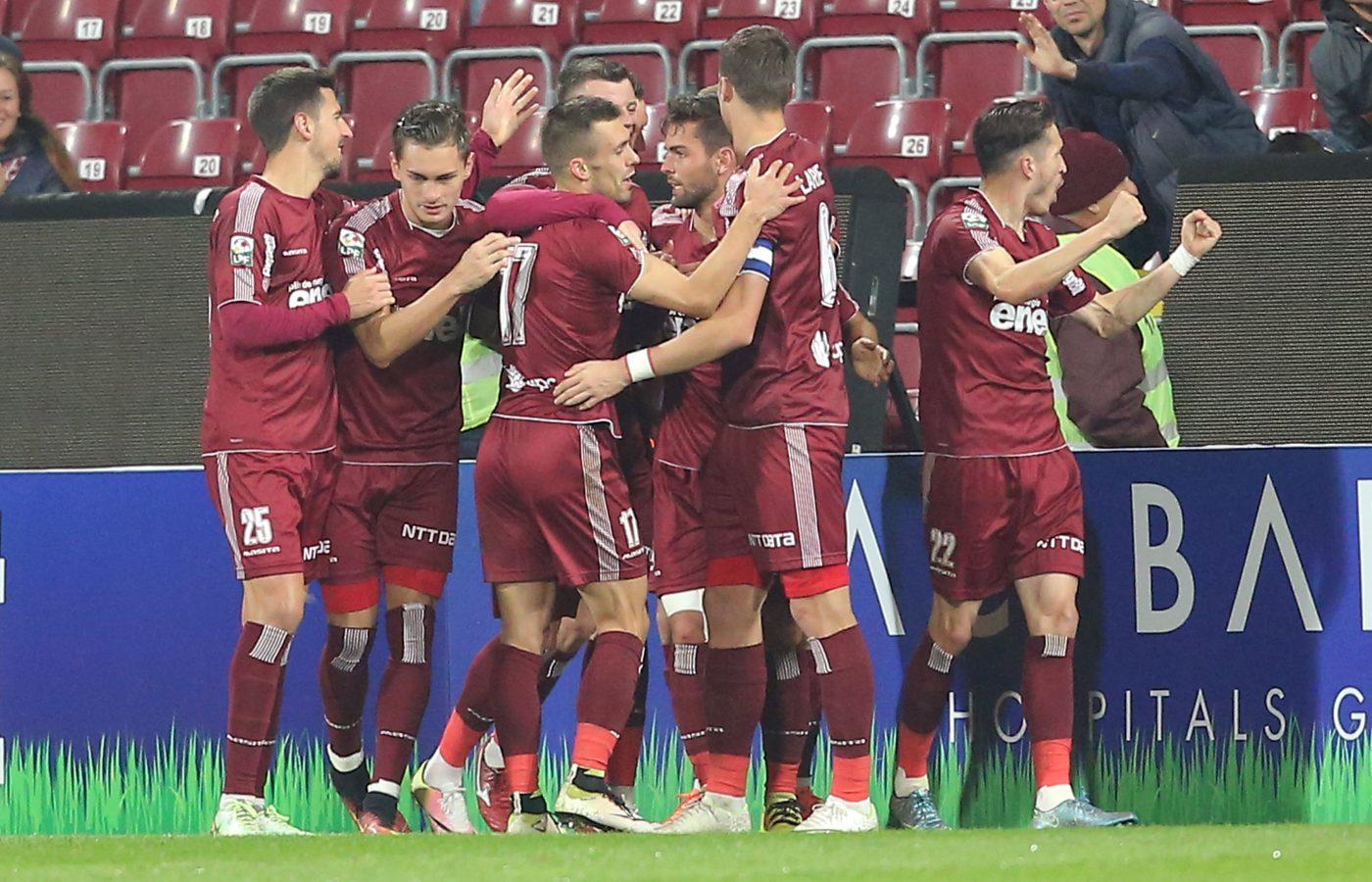 O echipă unită. Foto: Mircea Roșca / Sport Pictures